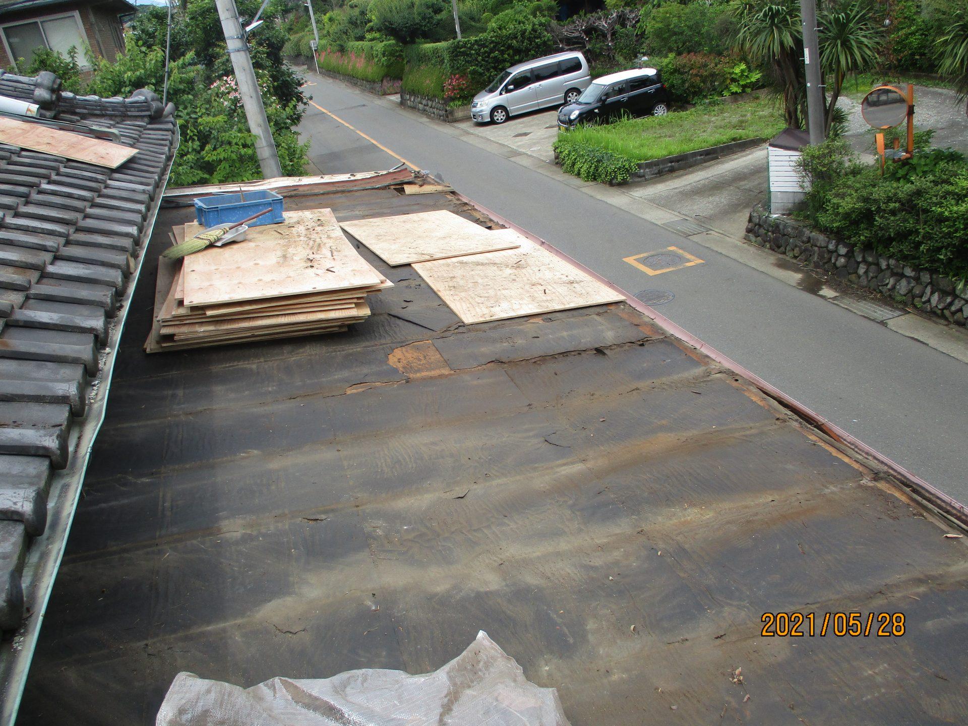 既存屋根材撤去後